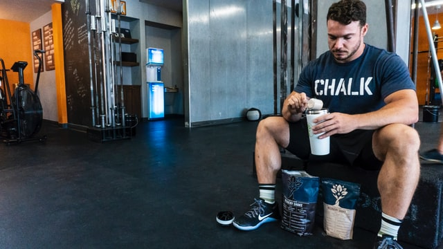 Can I drink whey protein for breakfast?